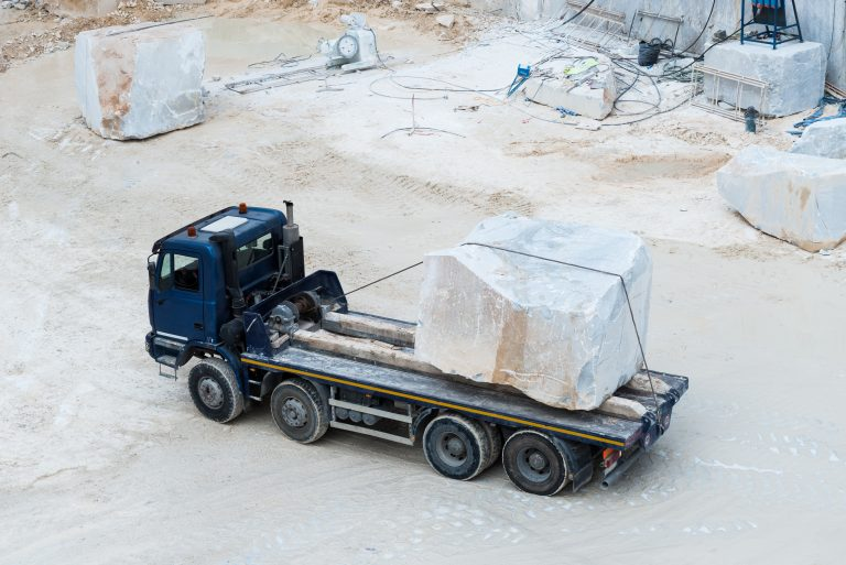 Marble,Truck,Carrying,Marble,Block,/,Marble,Truck,With,White